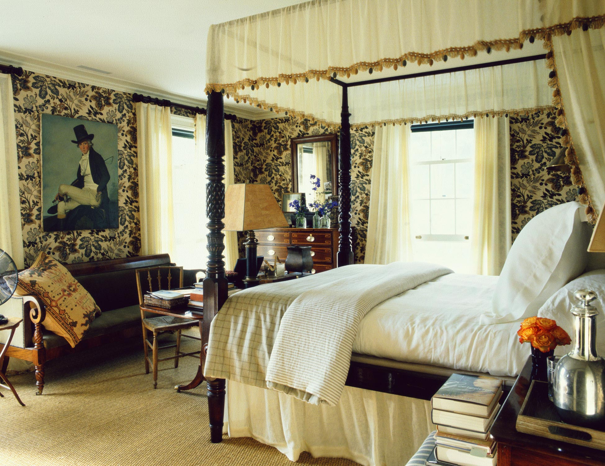 Gp schafer four poster bed colonial bedroom decor scene for Bedroom designs with four poster beds